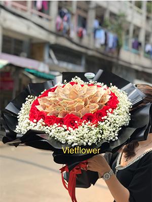 Bó hoa tiền 200k và hoa hồng đỏ - TĐ1